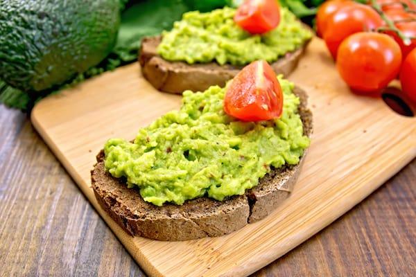 Rezept für Bauernbrot mit Avocado